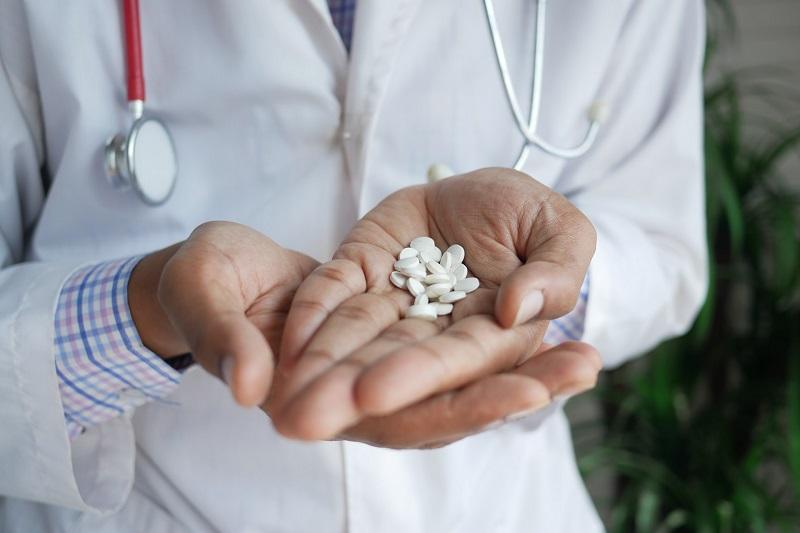 ¿Cómo saber si soy adicto a opiáceos? El médico puede ayudarte a detectarlo con test de adicciones.