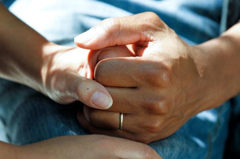 El tratamiento para la adicción a las drogas implica ayudar al adicto a superar el problema.