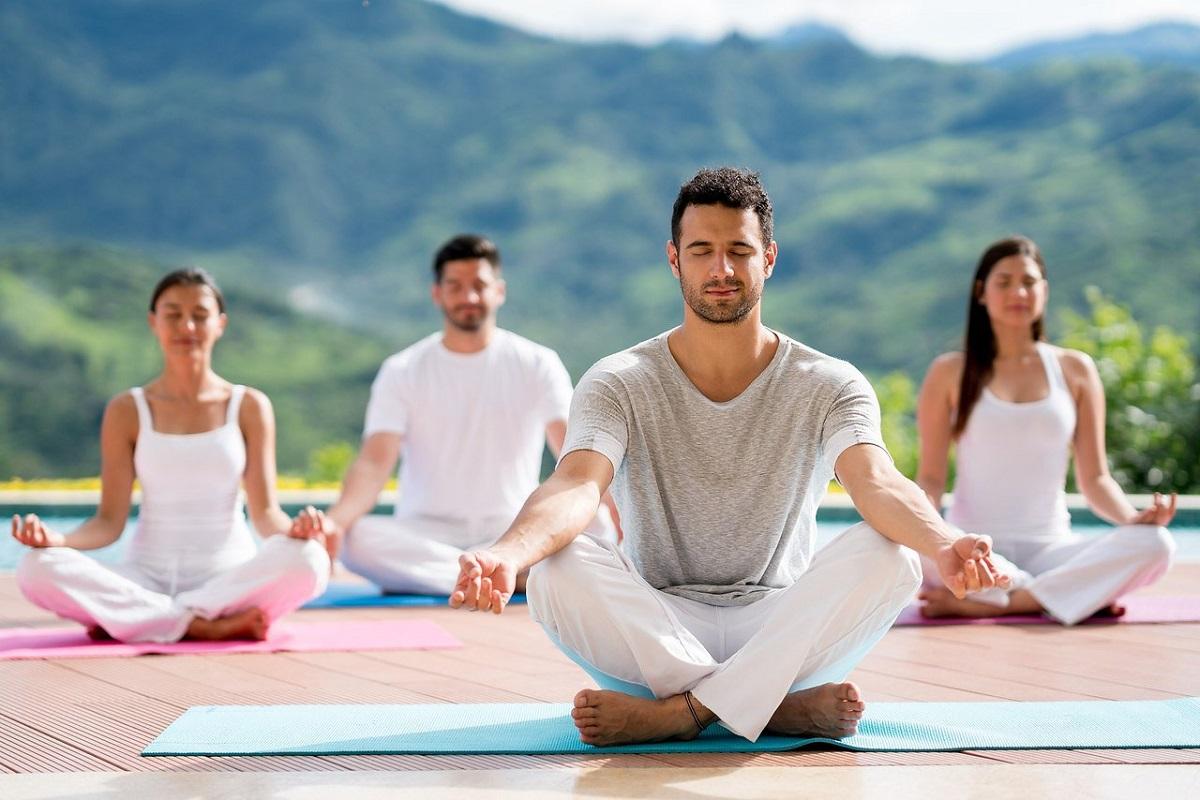 La relajación mindfulness reduce el estres y es de las mejores terapias alternativas de adicciones