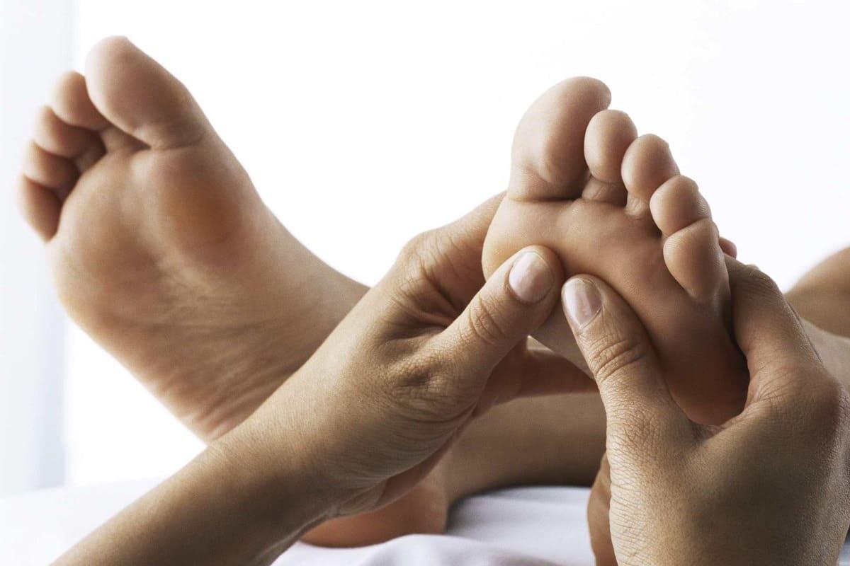 Reflexología podal como una de las terapias alternativas usadas en adicciones
