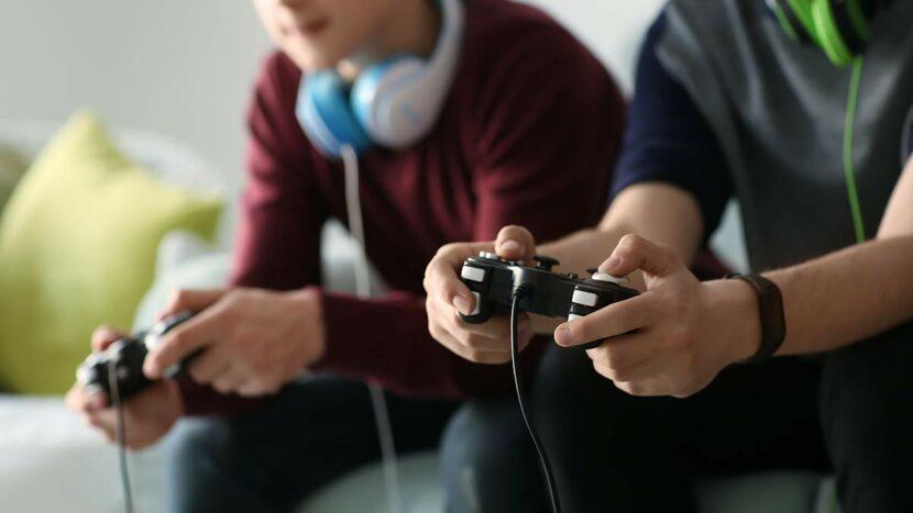 adolescentes jugando en exceso pueden necesitar tratamiento de la adicción a los videojuegos